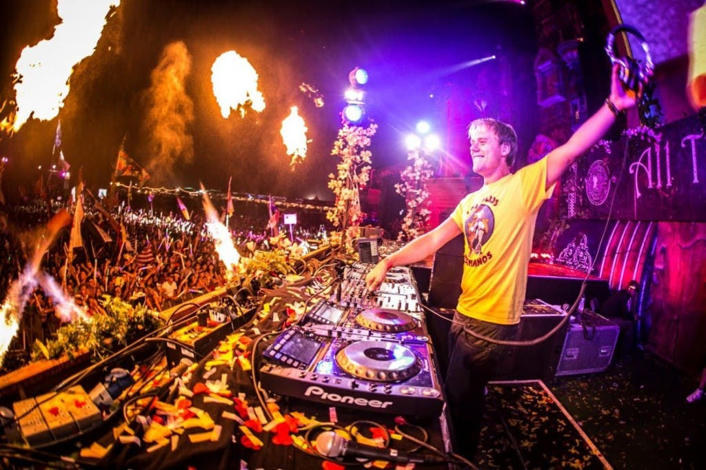 armin live tomorrowland