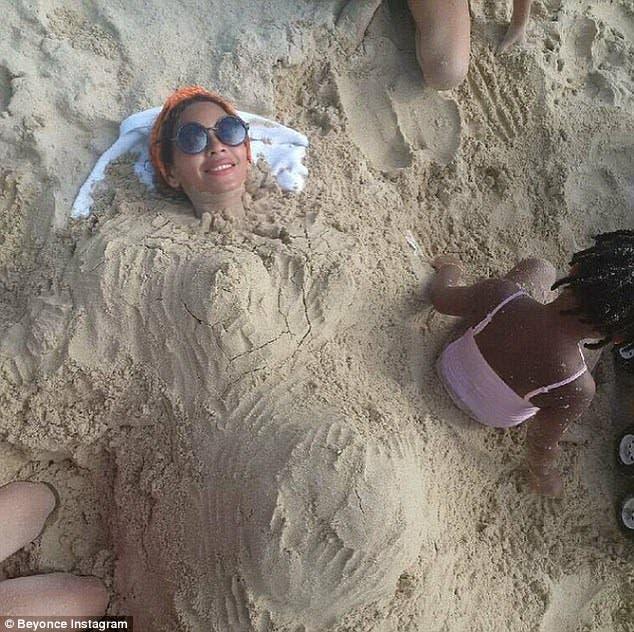 Beyoncé Praia gravida