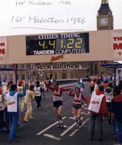 hand_in_hand_finishing_first_marathon_london_1986_2_f805e8b92e93246148dbc64019e8600e.today-inline-large